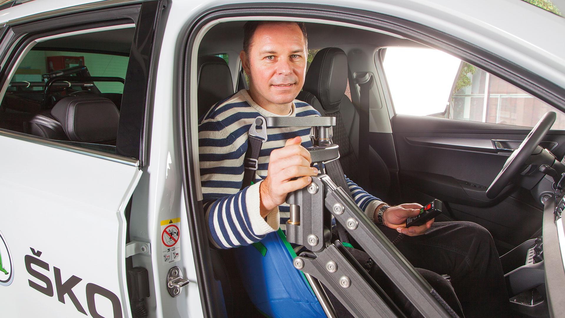 Úpravy automobilov pre telesne postihnutých