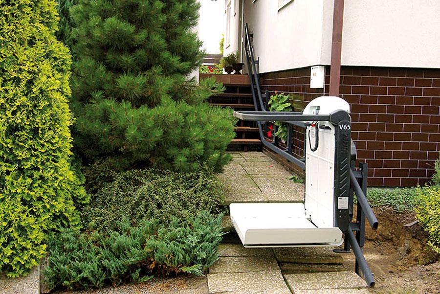 Šikmá schodisková plošina pre imobilných vozičkárov